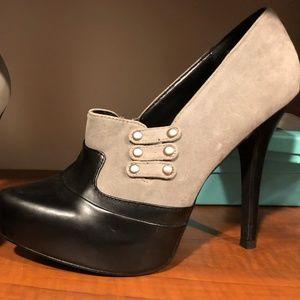Qupid Black/Grey Stiletto Spectator Heels 8